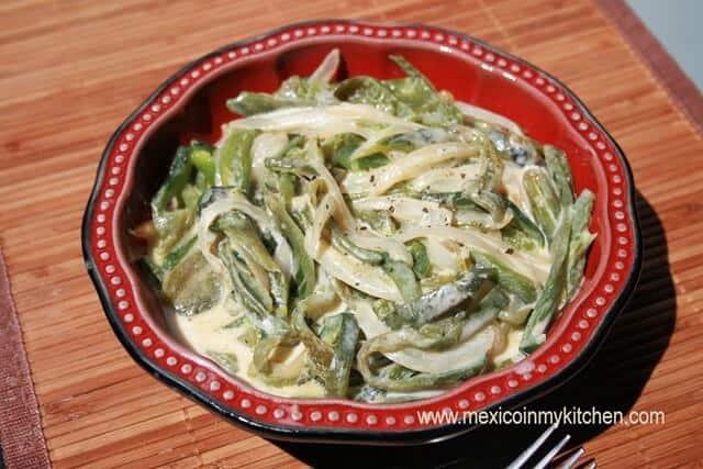 Deliciosa receta de Rajas de Chile Poblano con Crema