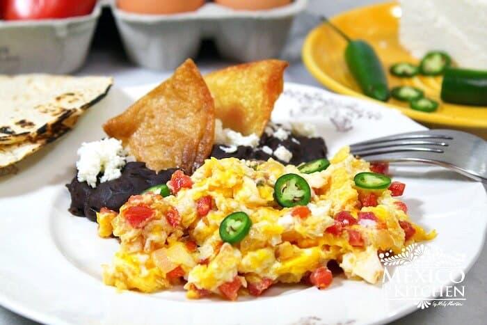 Huevos a la Mexicana, disfruta de esta deliciosa receta