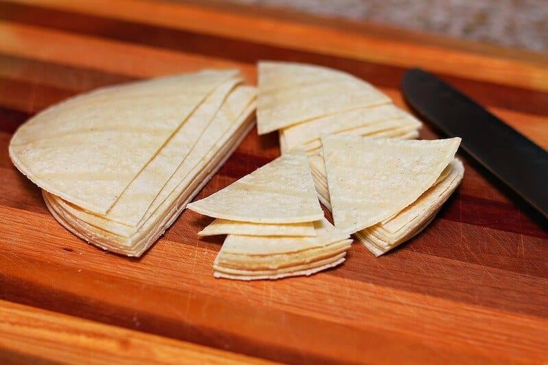 Totopos caseros, tortillas