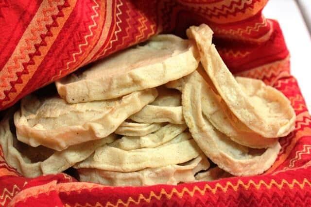 Picadas al Estilo Veracruz, cubre las tortillas